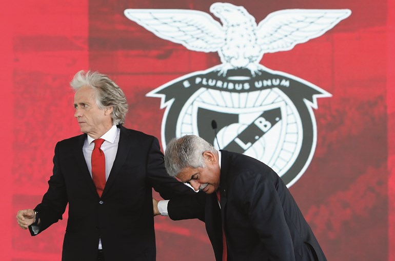 Jorge Jesus mantém-se no cargo, com o apoio de Luís Filipe Vieira