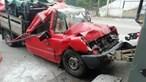 Dois feridos em violenta colisão entre carrinha de mercadorias e camião do lixo em Gaia