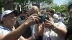 Selfies, mar de gente e falta de distanciamento para ver Marcelo no Dia de Portugal na Madeira