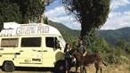 Viajam pelo Mundo em carrinha movida a óleo alimentar usado: Conheça a família de Noah