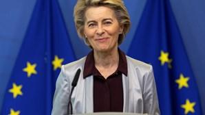 Líderes da UE alertam Londres para respeitar acordo do Brexit