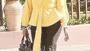 """Deputada da Tanzânia expulsa do Parlamento por usar """"calças justas"""""""