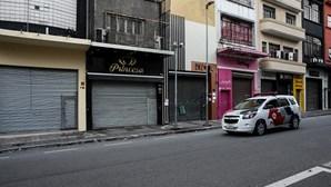 Pai salta de 17.º andar de hotel com a filha ao colo em São Paulo