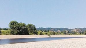 Espanha retém água e deixa o rio Tejo seco
