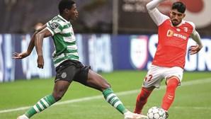 Esgaio ainda à espera de João Mário no Sporting