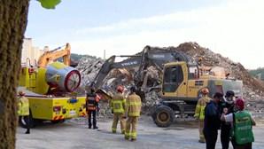 Prédio desaba sobre autocarro e mata nove passageiros na Coreia do Sul