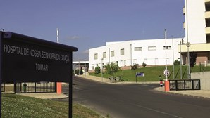Centro Hospitalar do Médio Tejo com multa de 45 mil euros por atraso de um dia no IRS