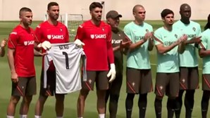 Seleção Nacional homenageia Neno antes do treino para o Euro2020. Veja o vídeo