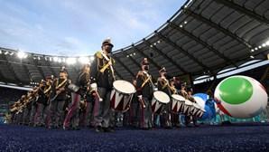 Balões gigantes, fogo de artifício e muita cor: Foi assim a cerimónia de abertura do Euro 2020. Veja as imagens