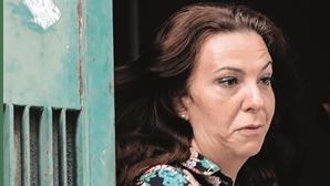 Viúva Rosa Grilo com computador e Internet na cadeia para tirar curso universitário
