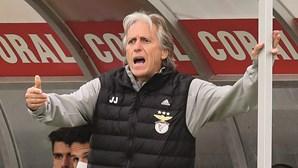 Jesus quer plantel do Benfica fechado até julho