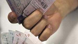 Médicos passam mil atestados falsificados para a Carta de Condução