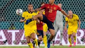 Espanha e Suécia empatam a zeros em estreia morna na competição