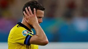 Federação sueca apresenta queixa na polícia por ameaças a Marcus Berg após falhar golo de baliza aberta