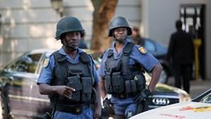 Polícia sul-africana descobre 20 corpos de mineiros ilegais em mina abandonada