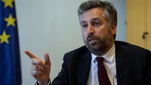 Pedro Nuno Santos diz que novo aeroporto terá que ser construído antes de 2035