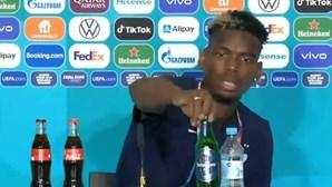 Pogba imita Cristiano Ronaldo... agora com uma garrafa de cerveja