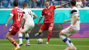 Rússia bate Finlândia por 1-0 em jogo do grupo B