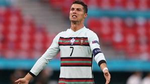 """""""Cristiano Ronaldo, homossexual"""": Craque português ouviu cânticos homofóbicos frente à Hungria"""