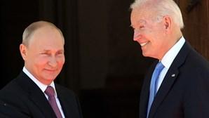"Putin considera ""construtiva"" e ""sem animosidades"" cimeira com Biden"