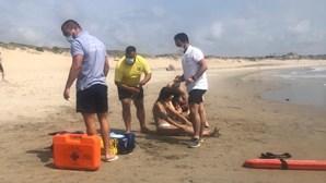 Duas jovens resgatadas do mar na praia da Azurara em Vila do Conde