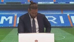"""""""Um dos momentos mais difíceis da minha vida..."""": Sergio Ramos em lágrimas no adeus ao Real Madrid"""