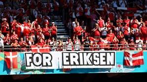 Jogo entre Dinamarca e Bélgica parou ao minuto 10 para homenagear Eriksen