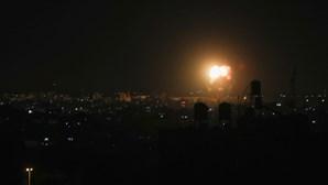 Israel volta a lançar ataques aéreos sobre a Faixa de Gaza