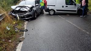 Colisão entre dois carros faz três feridos em Lousada