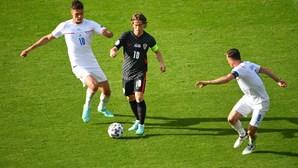 Croácia e República Checa empatam a um golo em jogo do grupo D