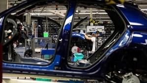 Falta de chips volta a parar Autoeuropa
