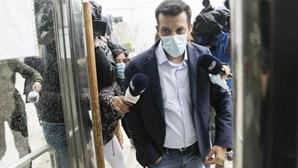 António Joaquim entrega-se na cadeia de Évora para cumprir pena pela morte do triatleta