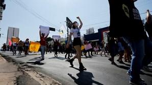 Movimento #Fora Bolsonaro volta a sair à rua em várias cidades portugueses