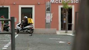 Jovem fica na cadeia por roubar estafetas em Lisboa