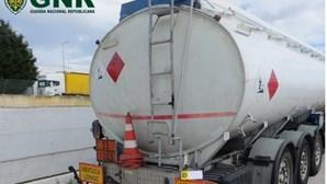 GNR apreende mais de 17 mil litros de gasóleo no valor de 23 mil euros em empresa de Olhão