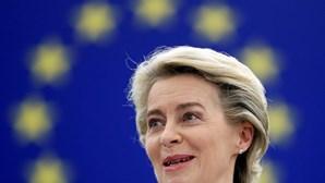 Comissão Europeia garante mais 150 milhões de doses da Moderna