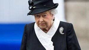 Rainha Isabel II muda regras do Palácio para evitar polémicas com Harry e Meghan