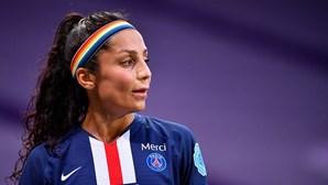 """Nadia Nadim, a afegã que """"sonhou em grande"""" e de refugiada virou estrela nos relvados de Paris"""