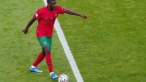 Jorge Jesus não desiste de William Carvalho para reforçar Benfica