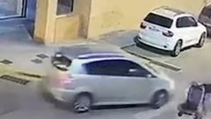 Português agredido em Espanha por quase atropelar casal e bebé numa passadeira. Veja as imagens