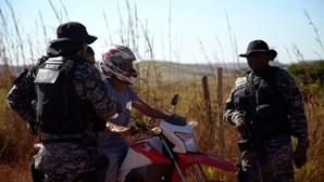 Autoridades brasileiras montam caça ao homem para apanhar assassino violador