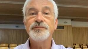"""Vai ter mesmo que deixar de fumar"": médico deixa alerta após Tony Carreira sofrer enfarte do miocárdio"