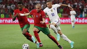 Pepe e Moutinho somam jogo 18 em Europeus e são segundos do 'ranking'