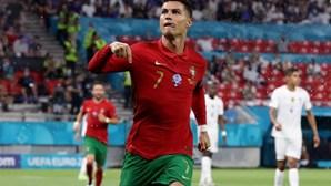 """""""Jogador fora de série"""": Presidente da Assembleia da República elogia Ronaldo"""