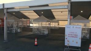 Centro de vacinação drive-thru no Porto continua a aguardar autorização