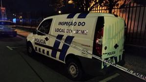 Homem esfaqueado conduz até às urgências do hospital de Aveiro