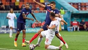 Suíça avança para os 'quartos' ao eliminar França em primeiro desempate por penáltis na prova