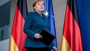 Merkel despede-se dos Balcãs e exorta à cooperação para futura integração na UE