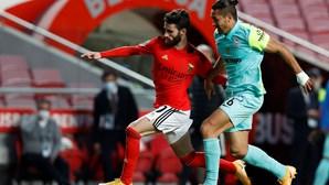 Rafa Silva na porta de saída do Benfica