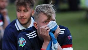 Quase dois mil adeptos da Escócia testam positivo à Covid-19 após jogos da seleção
